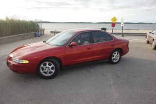 1999 Oldsmobile Intrigue Gl Sedan 4 - Door 3.  8l photo
