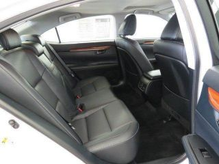 2013 Lexus Es300h Base Sedan 4 - Door 2.  5l photo