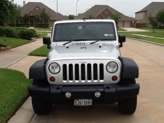 2010 Jeep Wrangler Unlimited Sport Sport Utility 4 - Door 3.  8l photo