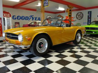 1971 Triumph Tr - 6 photo