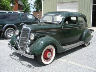 1935 Ford 2 - Dr Slantback photo