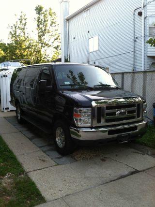 2011 Ford E350 Duty Passenger Xlt Extended Van,  15 Passengers photo