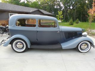 1933 Ford Tudor Sedan Streetrod All Steel photo