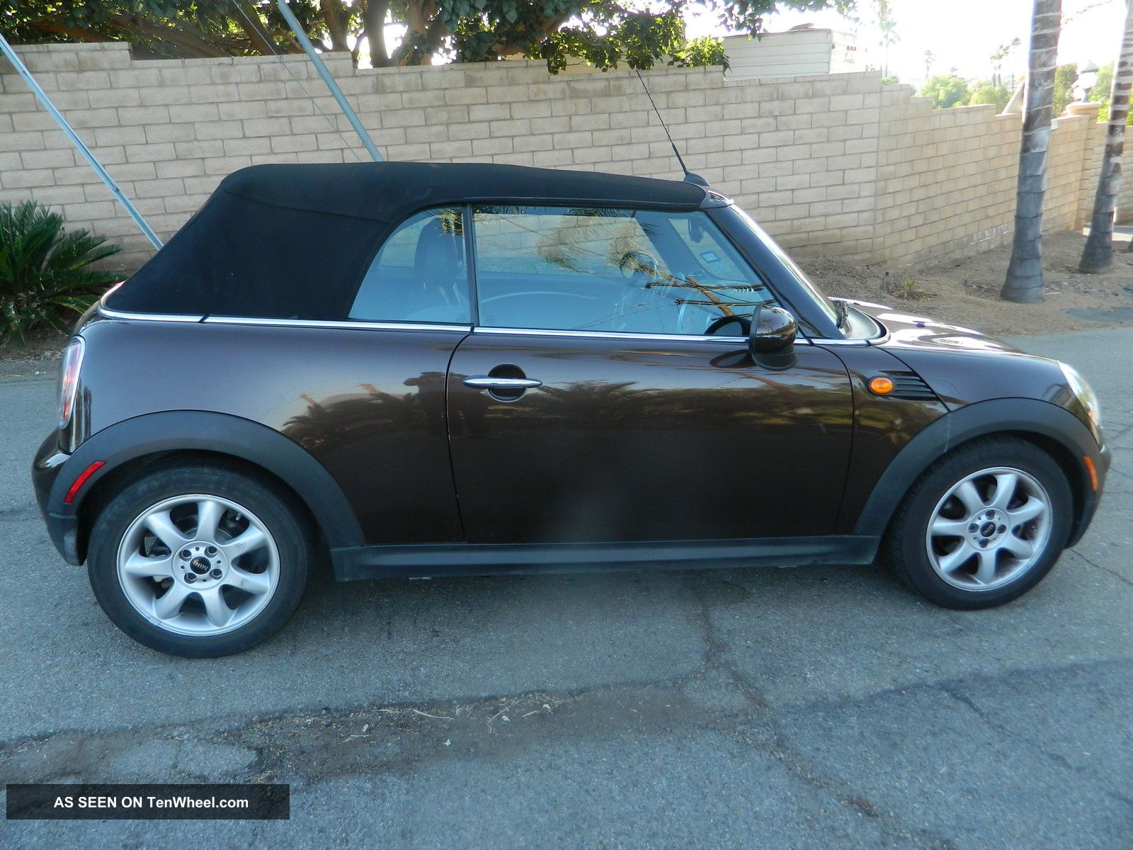 2010 Mini Cooper Convertible Cooper photo