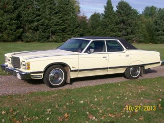 1976 Ford Ltd Landau photo