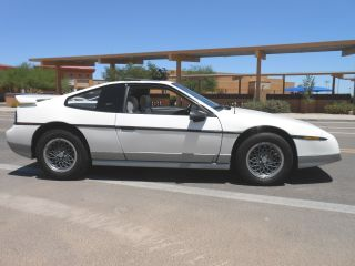 1986 Pontiac Fiero Gt Coupe 2 - Door 2.  8l photo