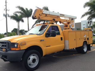 7.  3 Liter 2000 Ford F - 450 Duty Regular Cab Drw Turbo Diesel Bucket Truck photo