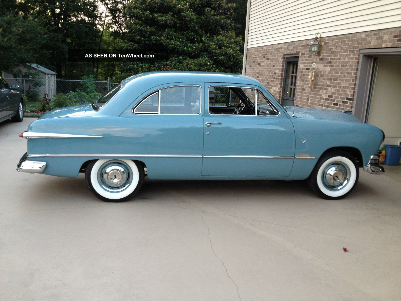 1951 ford custom 2 door sedan v8 std shift