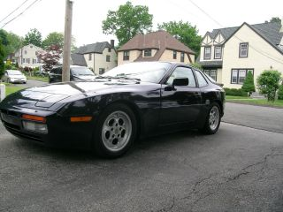 1986 Porsche 944 Turbo photo