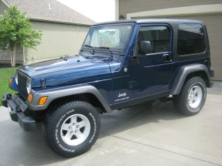 2004 Jeep Wrangler X Sport Utility 2 - Door 4.  0l photo