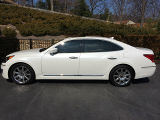 2013 Hyundai Equus Signature Sedan 4 - Door 5.  0l photo