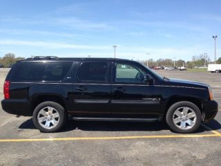 2007 Gmc Yukon Xl 1500 Slt Sport Utility 4 - Door 5.  3l - photo