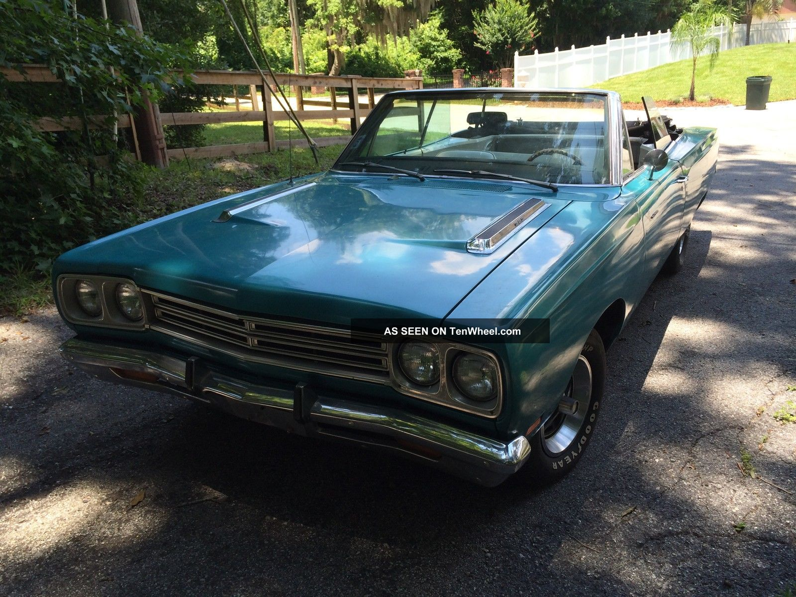 1969 Plymouth Roadrunner Convertible,  440,  Buckets,  Console Auto Floor Shift Road Runner photo