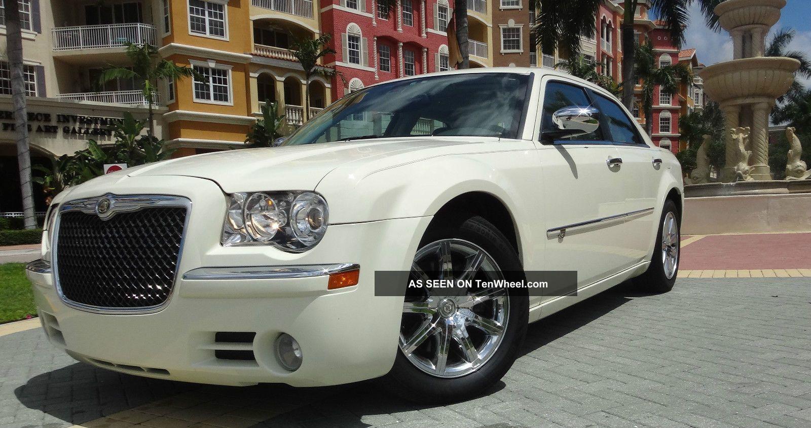 2010 chrysler 300 c sedan 4 door 5 7l hemi pearl white. Black Bedroom Furniture Sets. Home Design Ideas