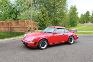 1985 Porsche 911 Carrera Coupe photo