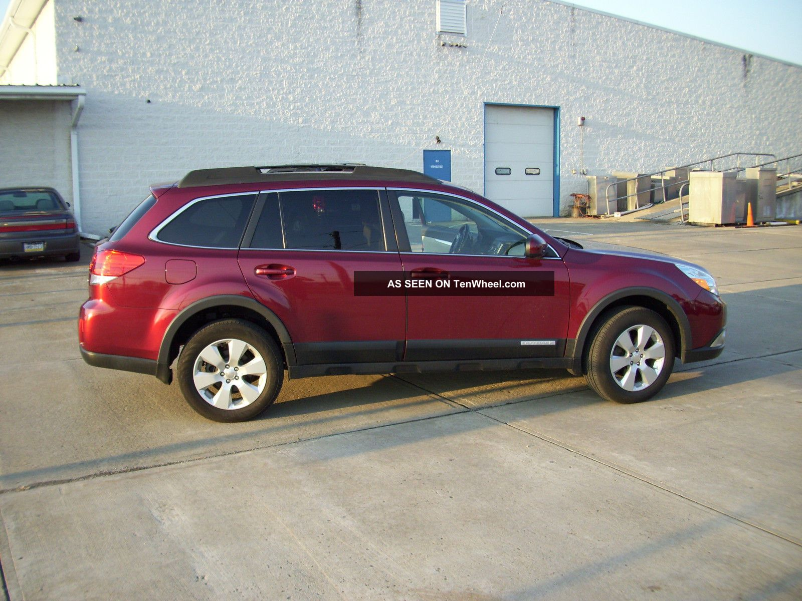 2011 subaru outback 2 5i premium wagon 4 door 2 5l. Black Bedroom Furniture Sets. Home Design Ideas