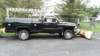 2000 Dodge 2500 Utility W / Angle Plow photo