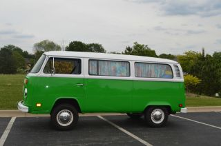 Beautifully 1974 Lime Green Vw Bus / Vanagon 1.  8l photo