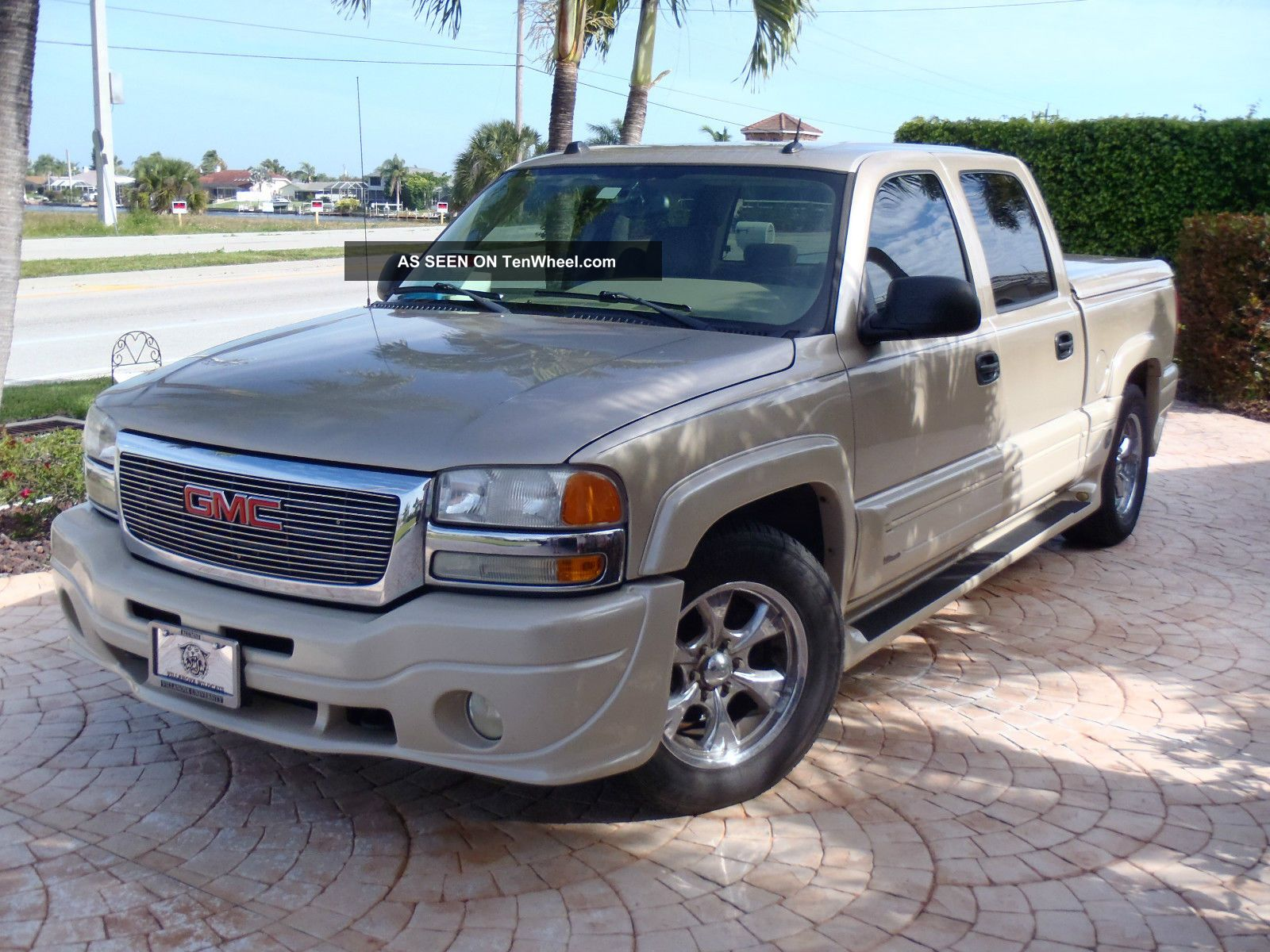 2005 gmc sierra 1500 with southern comfort ultimate conversion package. Black Bedroom Furniture Sets. Home Design Ideas