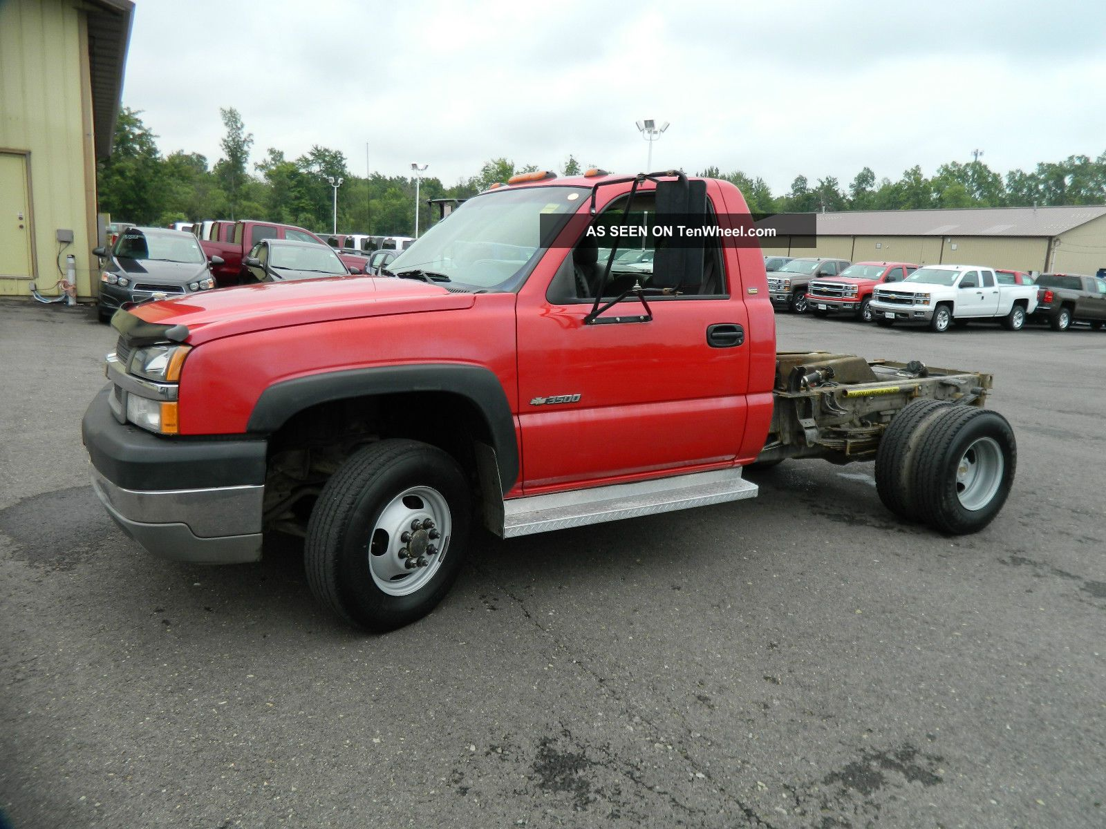2003 Cab And Chassis / 8.  1 Engine Silverado 3500 photo