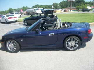 2003 Mazda Miata Convertible photo