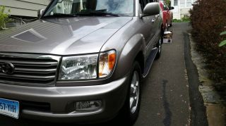 2004 Toyota Land Cruiser Base Sport Utility 4 - Door 4.  7l photo
