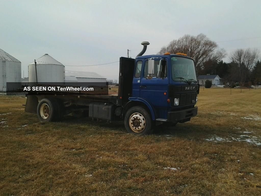 1989 Mack Tractor Truck Mid Liner Diesel Other Makes photo