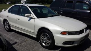 2002 Mitsubishi Galant Es Sedan 4 - Door 2.  4l photo