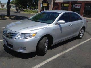 2011 Toyota Camry Le Sedan 2.  5l photo