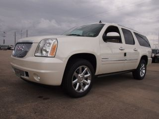 2014 Gmc Yukon Xl 1500 Denali Sport Utility 4 - Door 6.  2l photo
