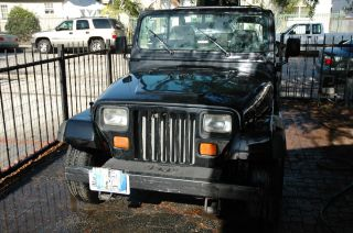 1995 Jeep Wrangler Base Sport Utility 2 - Door 2.  5l photo