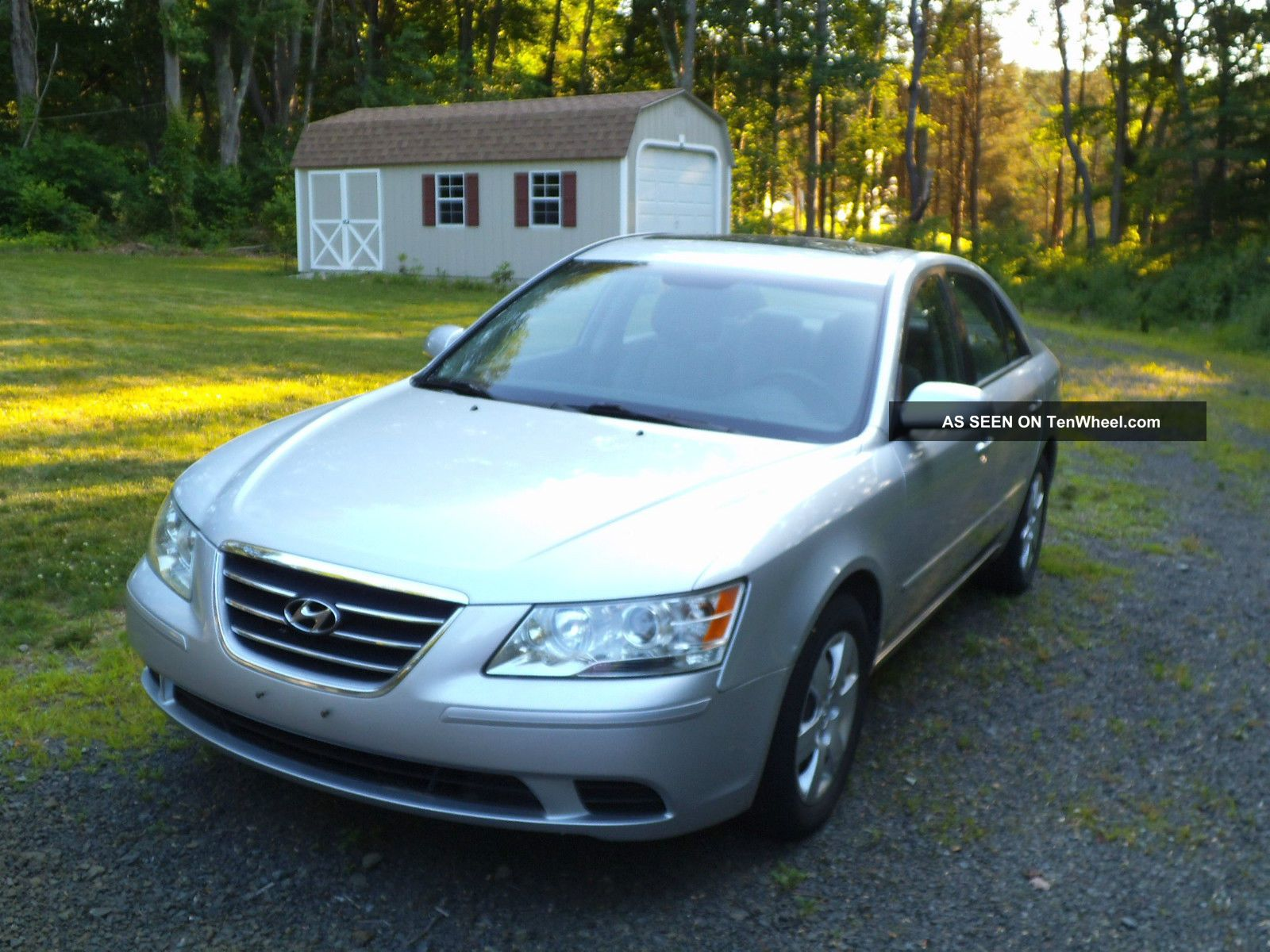 2009 Hyundai Sonata Gl Sedan 4 - Door 2.  4l Sonata photo
