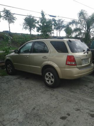 2003 Gold Kia Sorento,  Needs A Little Attention photo
