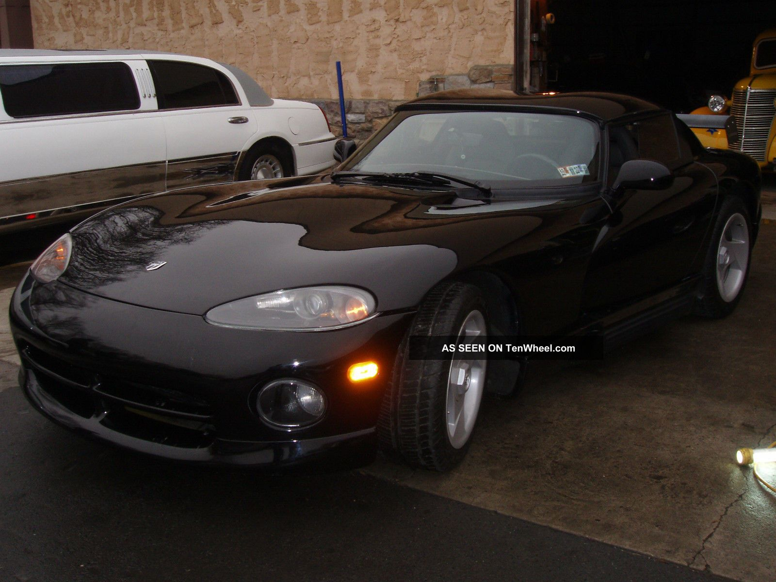 1993 Dodge Viper Base Convertible 2 - Door 8.  0l Viper photo