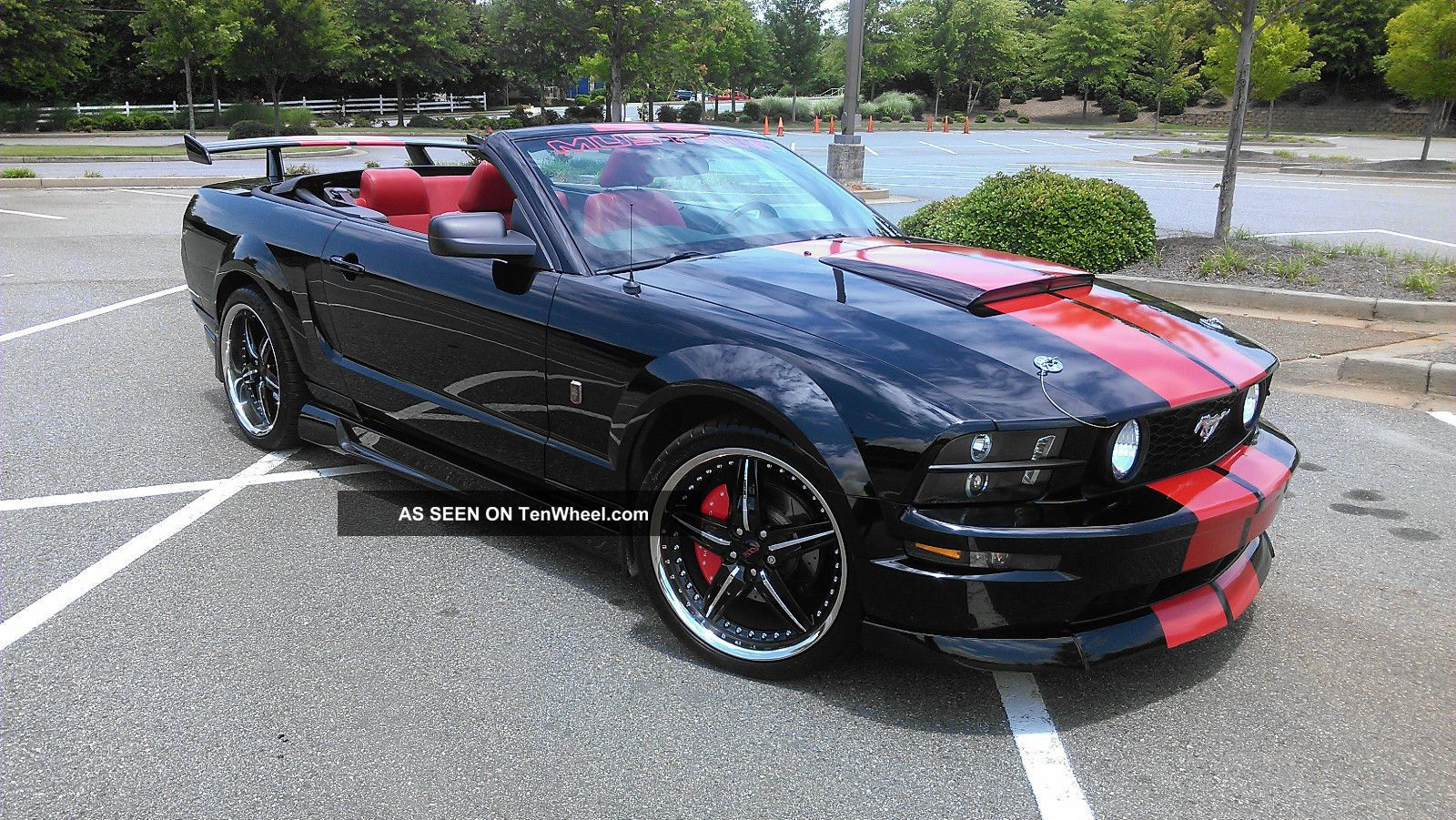 2006 ford mustang gt convertible 2 door 4 6l. Black Bedroom Furniture Sets. Home Design Ideas