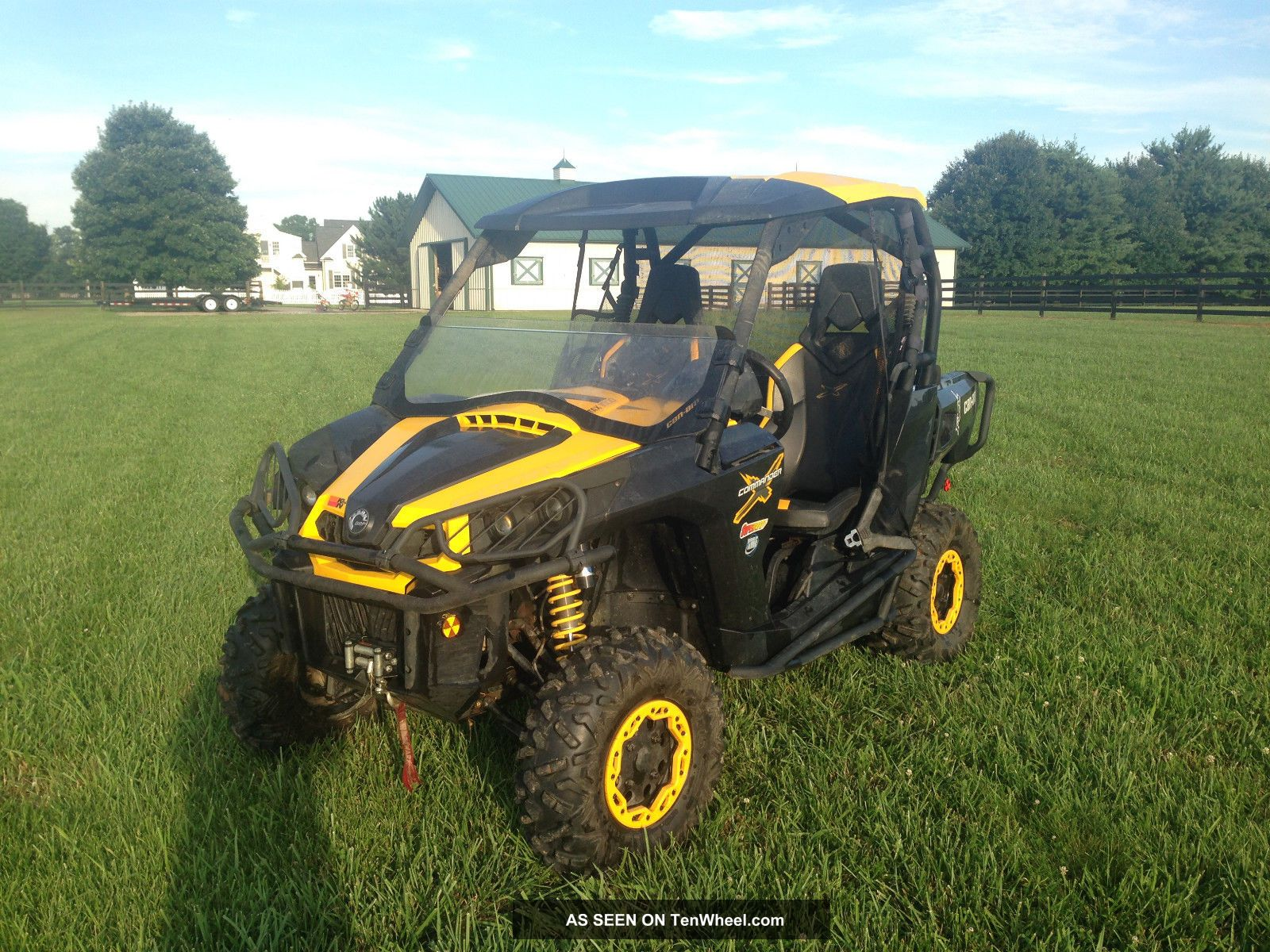 2012 Can - Am Commander UTVs photo