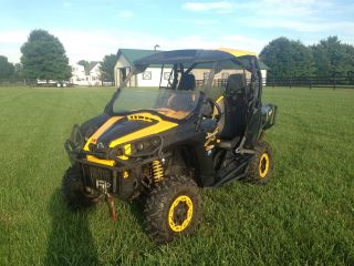 2012 Can - Am Commander photo