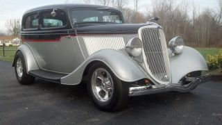 1934 Ford 2 Door Sedan All Steel Hot Rod photo