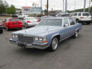 1983 Cadillac Fleetwood Brougham D ' Elegance photo