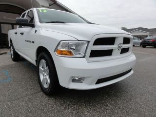 2012 Ram 1500 St Crew Cab Pickup 4 - Door 5.  7l photo