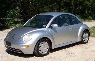 2001 Volkswagen Beetle Gls - 5 Speed Manual - Ice Cold Air - Vehicle photo