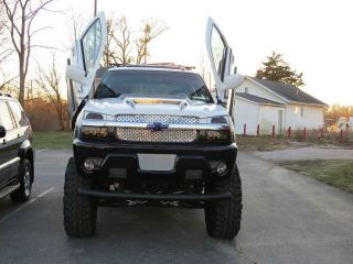 2002 Chevrolet Avalanche Custom One Of A Kind photo