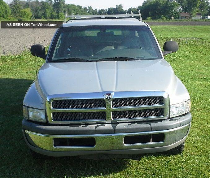 2001 Dodge Ram 2500 Quad Cab Long Bed 2wd W / Are Cap 360