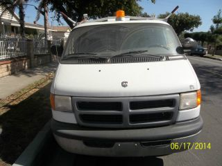 2000 Dodge 3500 Van photo