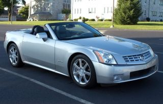 2004 Cadillac Xlr Convertible Title photo