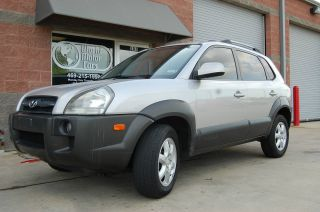 2005 Hyundai Tucson Gls Sport Utility 4 - Door 2.  7l photo