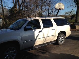 2009 Gmc Yukon Xl 1500 Denali Sport Utility 4 - Door 6.  2l photo