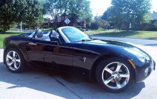 2007 Pontiac Solstice Convertible 2 - Door 2.  4l Automatic Trans 18