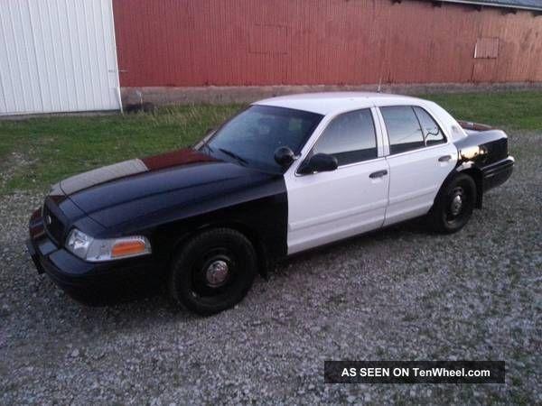 ford crown victoria police interceptor sedan  door