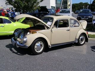Classic 1970 Volkswagen Beetle Originally From California Now In York. photo